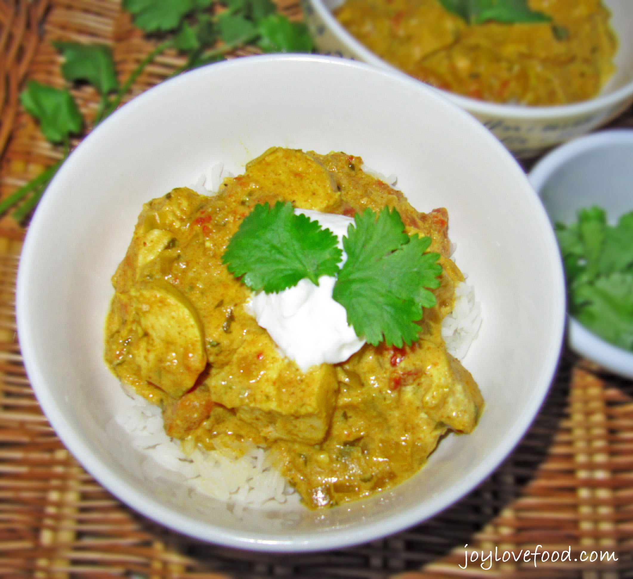 Chicken Curry with Cashews -- creamy, nutty and so delicious! Easy ...