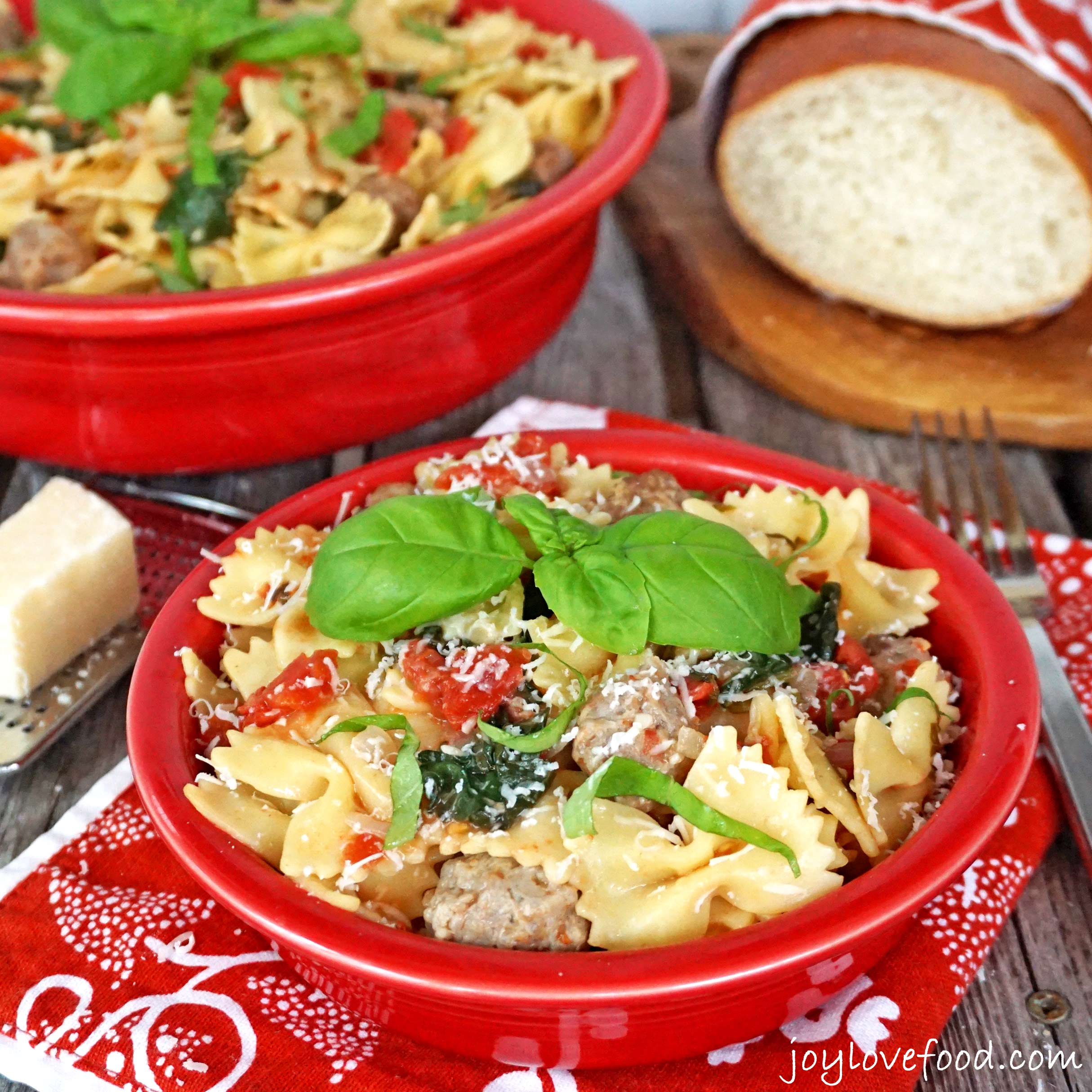 one pot pasta with tomatoes sausage and kale joy love food. Black Bedroom Furniture Sets. Home Design Ideas