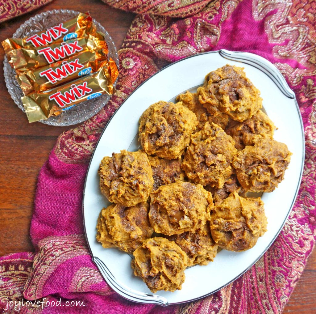 Pumpkin TWIX® Mini Scones