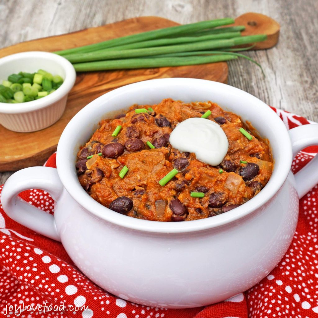 Slow Cooker Steak, Pumpkin and Black Bean Chili